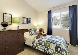 Guest Bedroom - Hidden River Townhomes, Apartments near Juanita Bay, Kirkland, Washington 98034