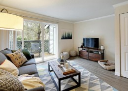 Living Room - Hidden River Townhomes, Apartments near Juanita Bay, Kirkland, Washington 98034